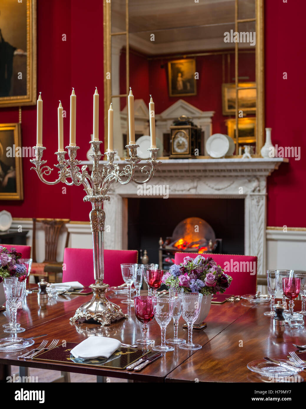 Red Dining Room In Palladian 18th Century Dumfries House ...