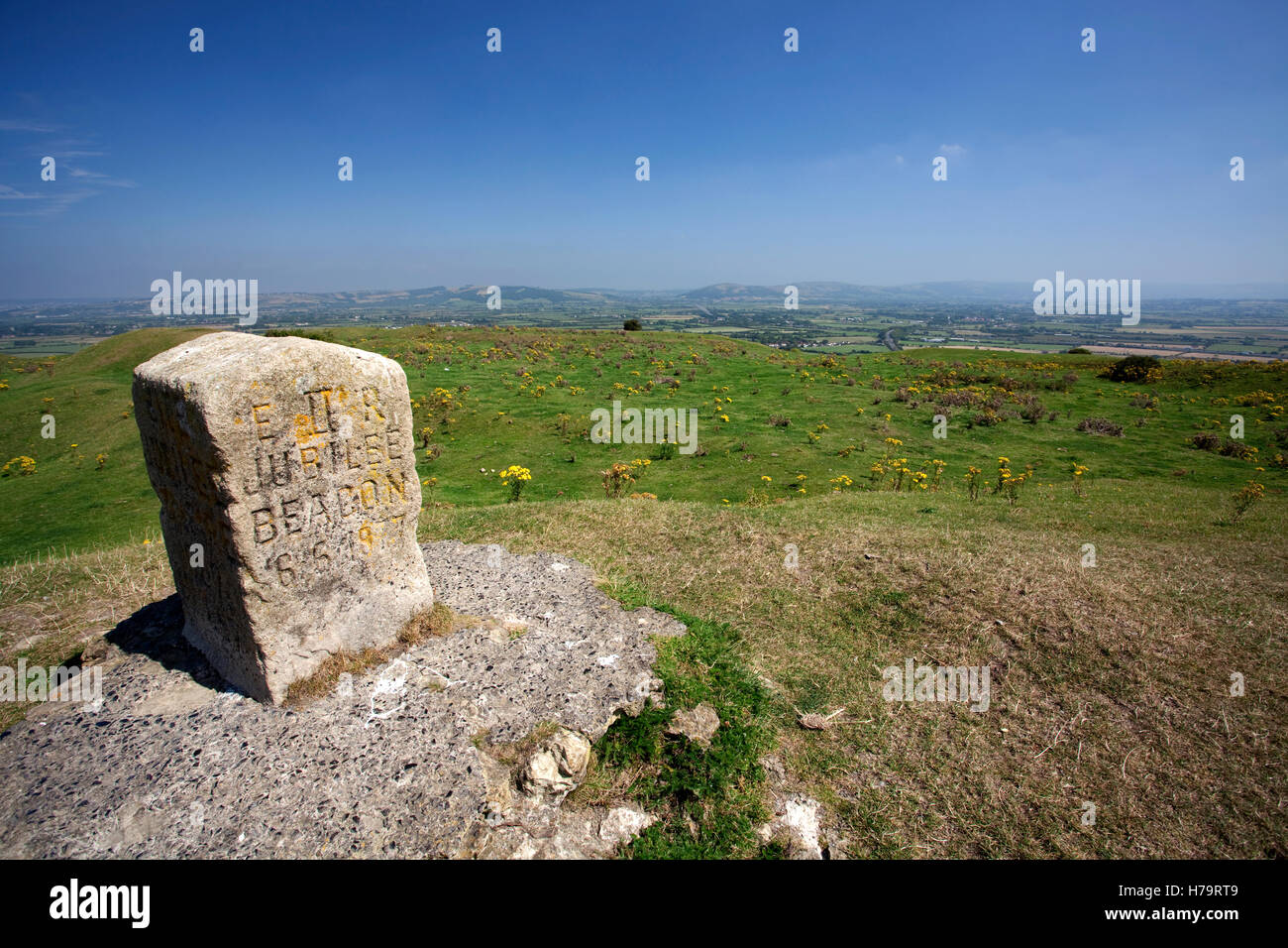 Brent Knoll beacon in Somerset celebrating the Golden and Diamond jubilees of Queen Victoria - Stock Image
