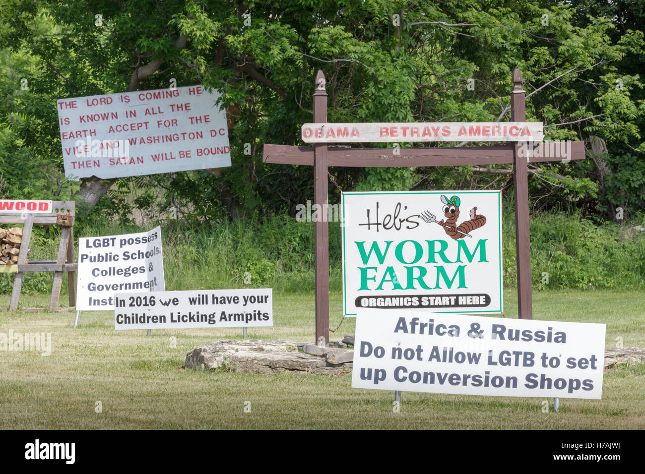Heb's Worm Farm takes a strong political stand. Finger Lakes, New York State, USA. - Stock Image