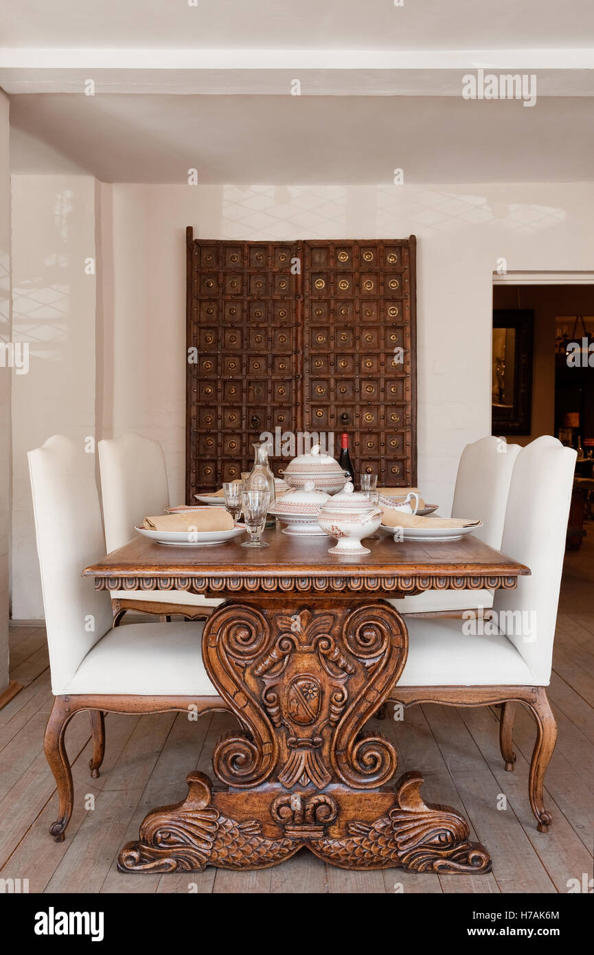 Peachy Provencial Dining Chairs With Cabriole Legs At An Italian Gamerscity Chair Design For Home Gamerscityorg