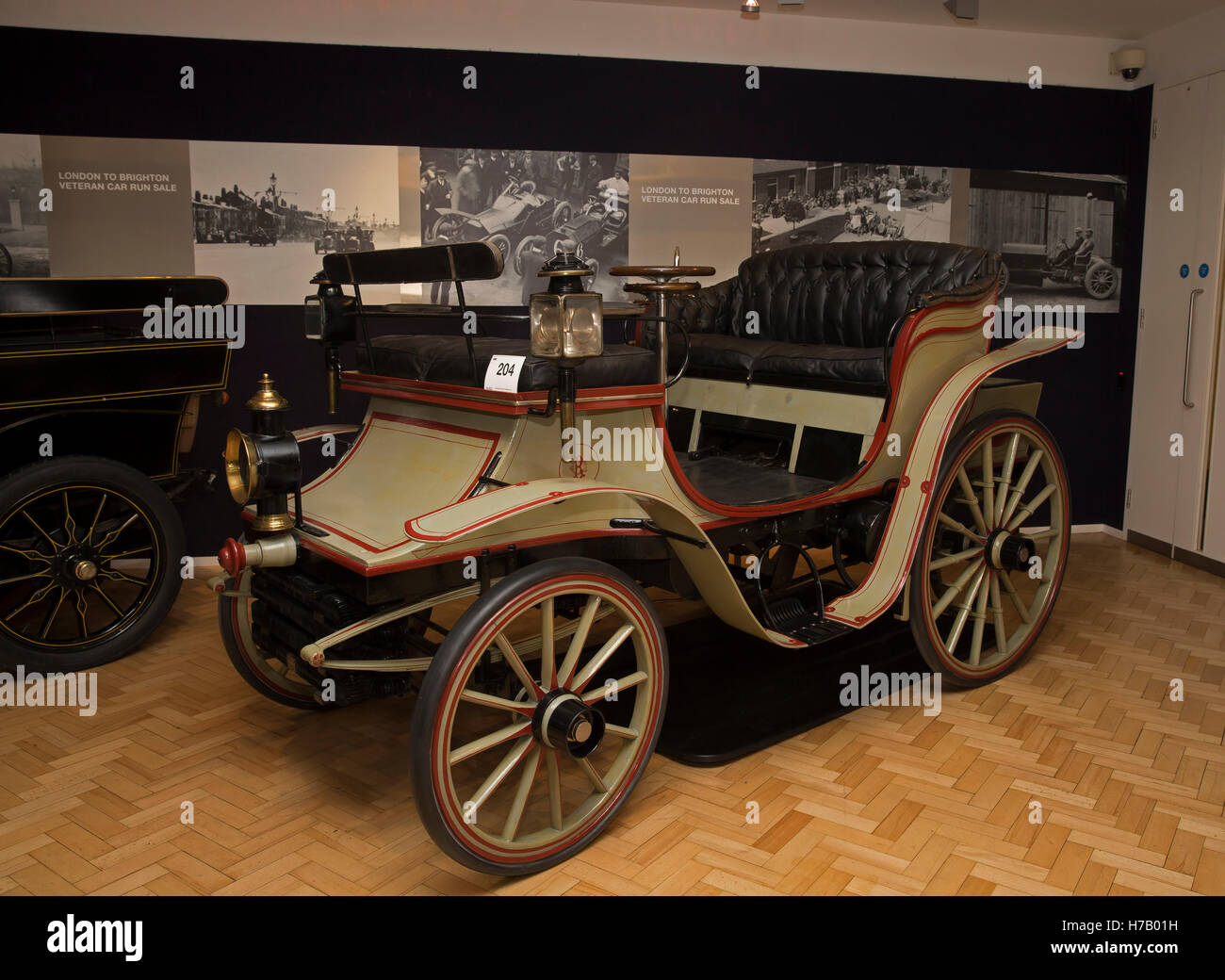 London, UK. 3rd Nov, 2016. 1896 RAYNAUD 8HP on display during Press ...