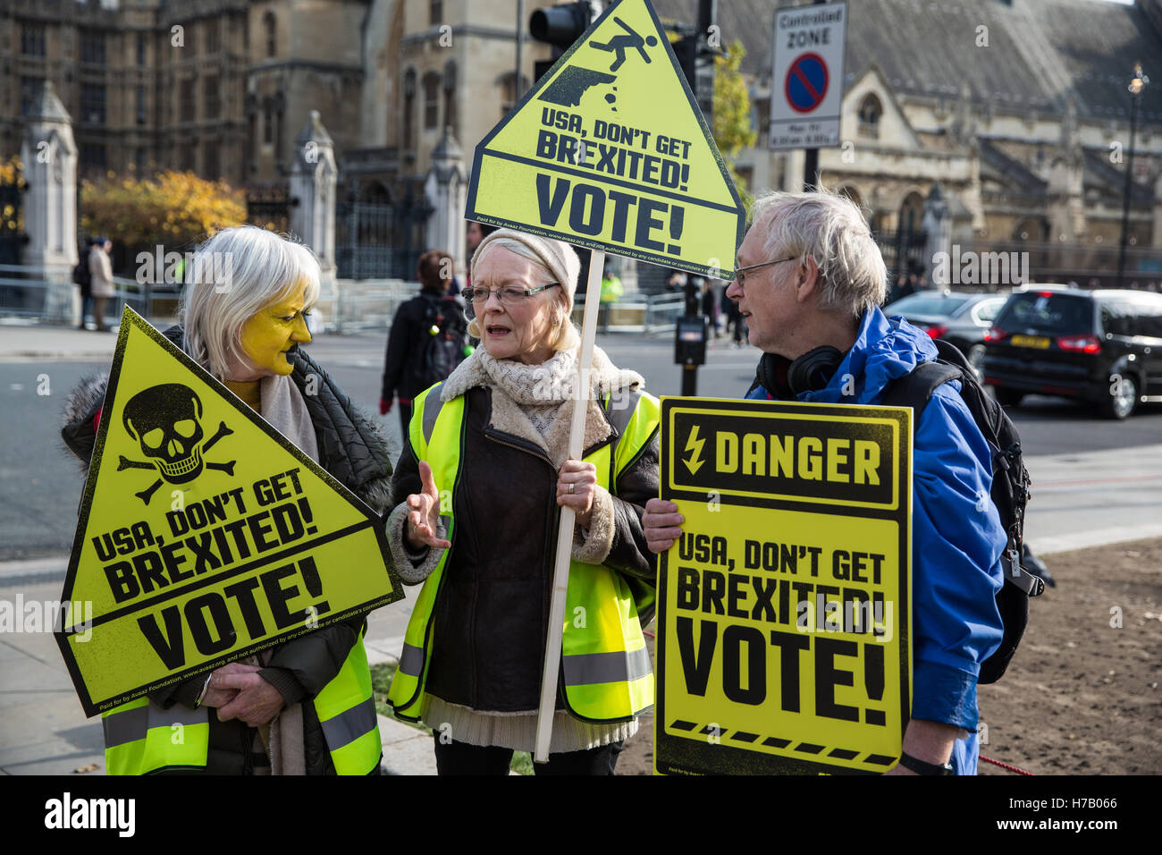 London, UK. 3rd November, 2016. British citizens who regret not having voted in the EU Referendum - which resulted Stock Photo
