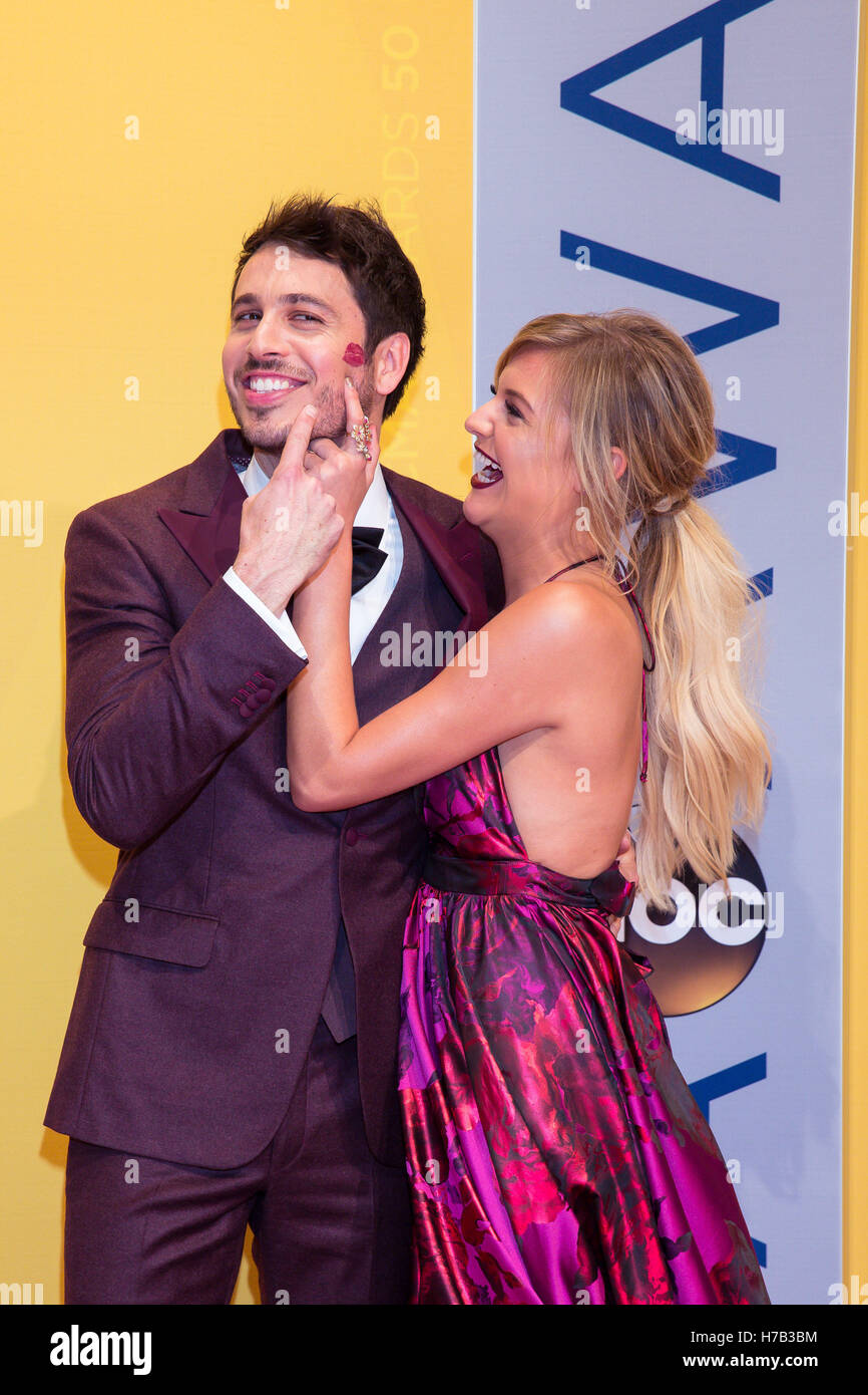 Nashville, Tennessee, USA. 2nd Nov, 2016. KELSEA BALLERINI on the red carpet with her boyfriend MORGAN EVANS at - Stock Image