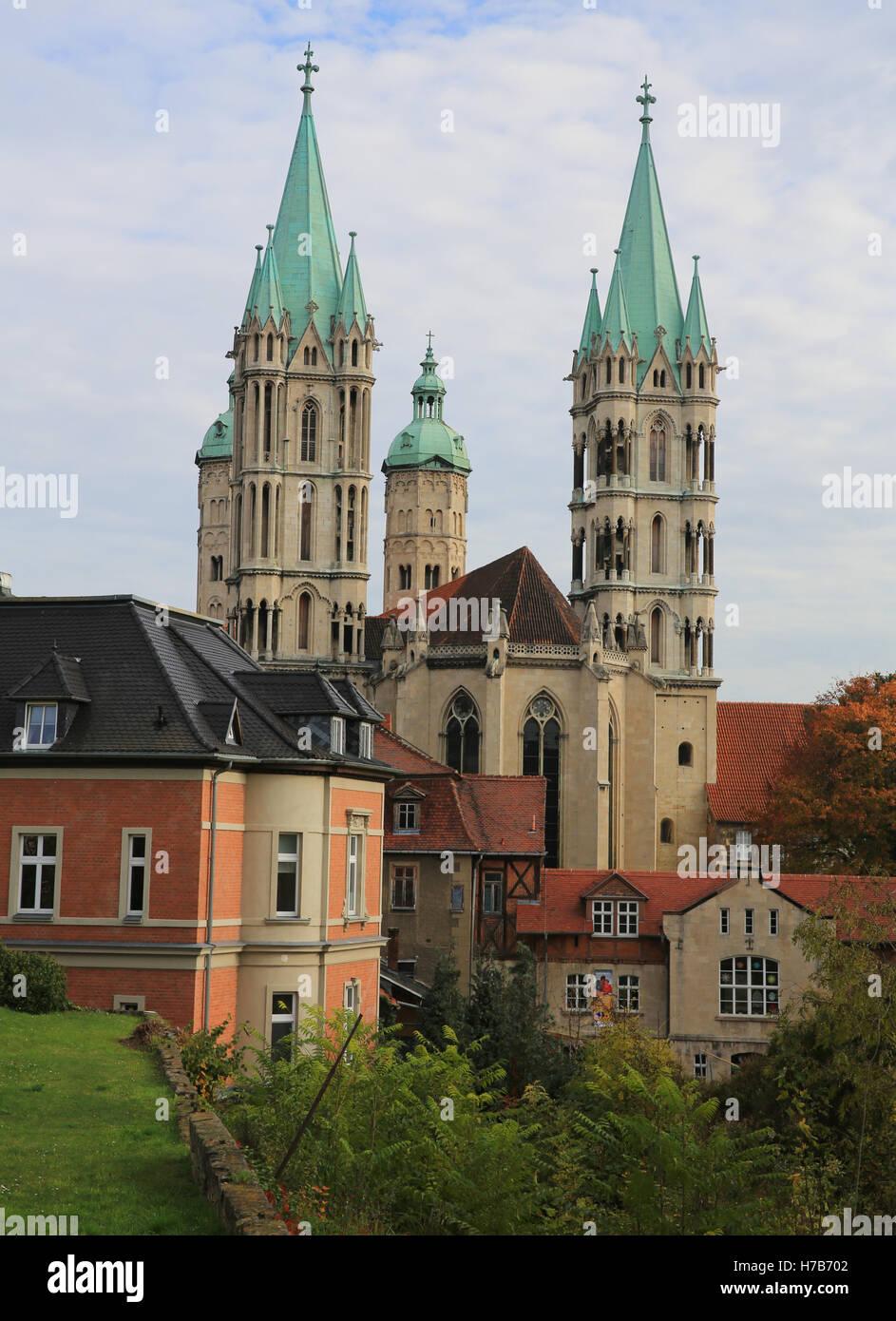 Magdeburg, Deutschland. 01st Nov, 2016. Blick auf den Dom von Naumburg/Saale (Sachsen-Anhalt), aufgenommen am 01.11.2016. Stock Photo