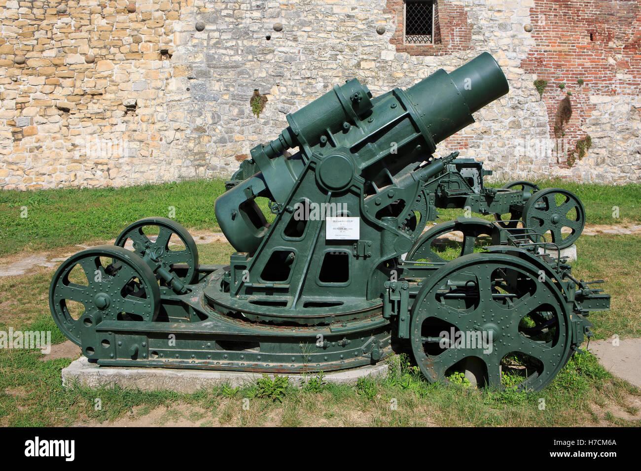 The Skoda 30.5 cm Mörser Model 1911 (M.11) siege howitzer at the Military Museum in Belgrade, Serbia - Stock Image