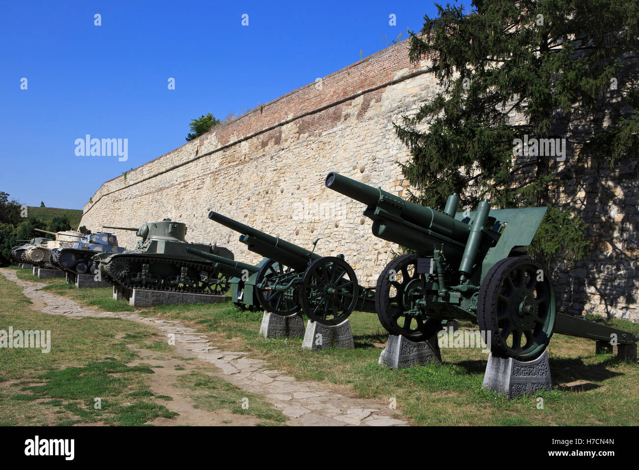Howitzers and tanks at the Military Museum in Belgrade, SErbia - Stock Image
