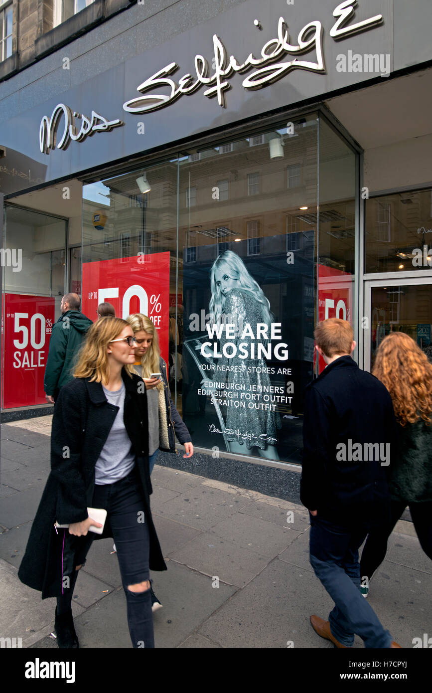 Miss Selfridge store in Edinburgh with closing down sign. - Stock Image