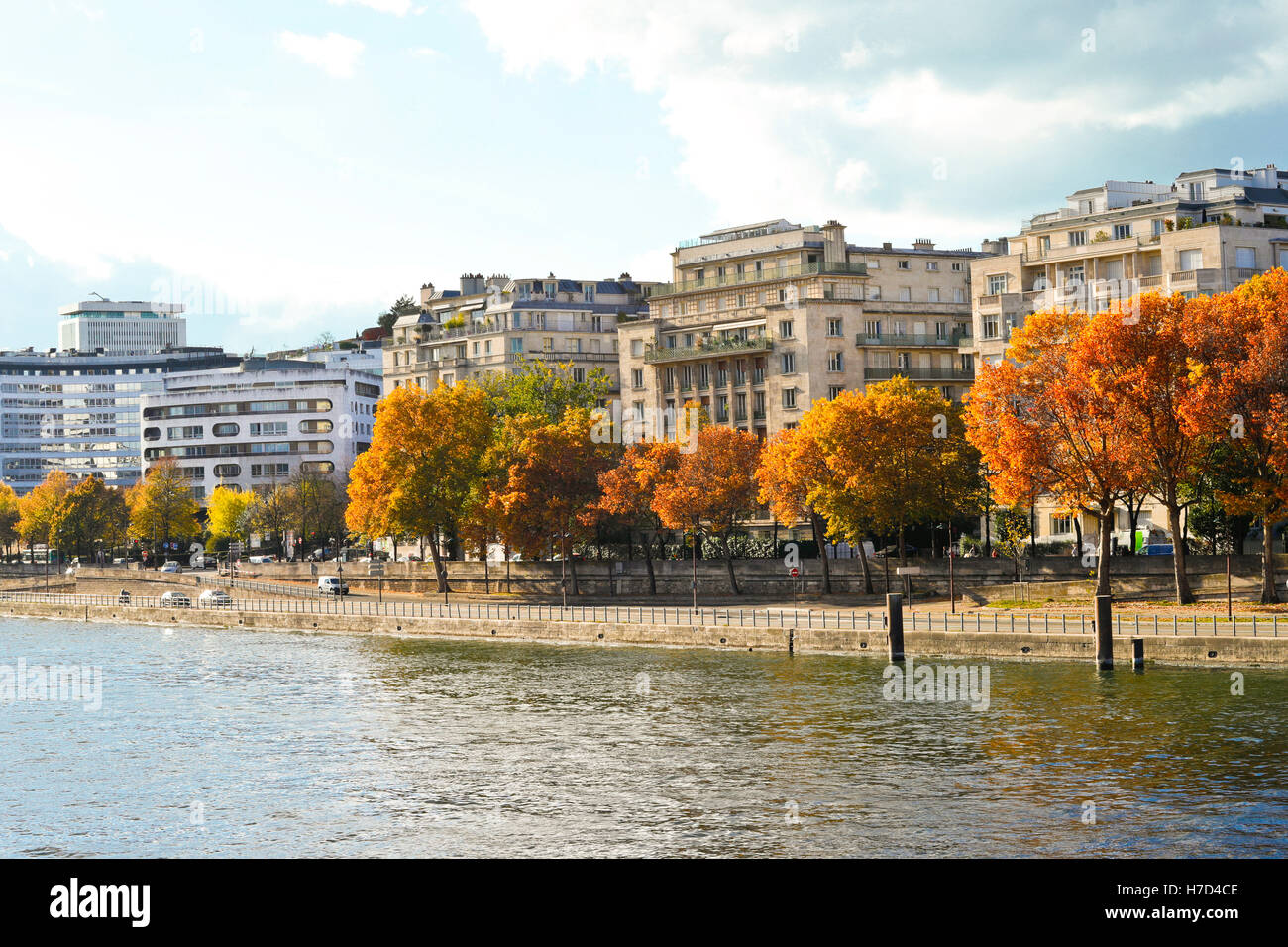 France. Paris.The  river Seine in Fall/Autumn. - Stock Image