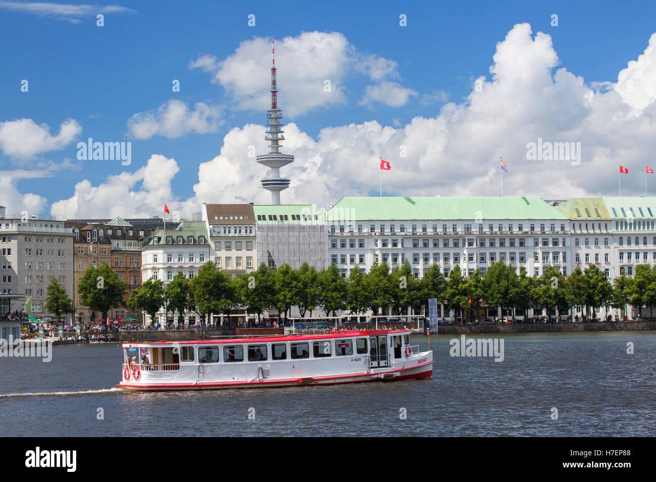Cruise boat on Binnenalster Lake, Hamburg, Germany - Stock Image