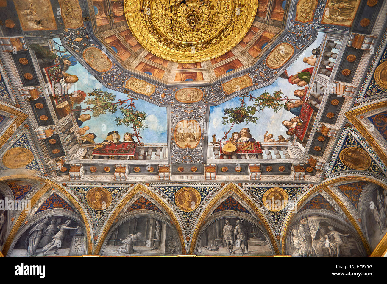 Renaissance ceiling paintings by Benevento Tisi also known as il Garofalo, of the Ferrara Renaissance school of - Stock Image