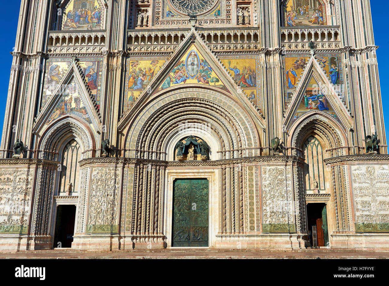 Detail of the Tuscan Gothic facade of the14th century Orvieto Duomo Cathedral, Umbria, Italy - Stock Image