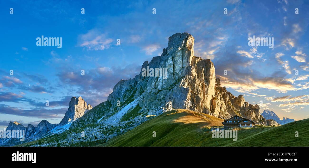 Nuvolau at sunset mountain above the Giau Pass (Passo di Giau), Colle Santa Lucia, Dolomites, Belluno, Italy - Stock Image