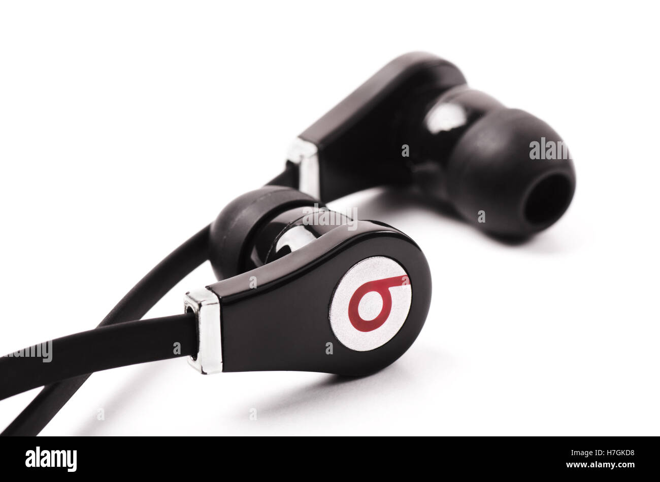 SAMARA, RUSSIA - SEPTEMBER 10, 2016: Black Beats audio headphones logo of the brand 'Beats Electronics' - Stock Image