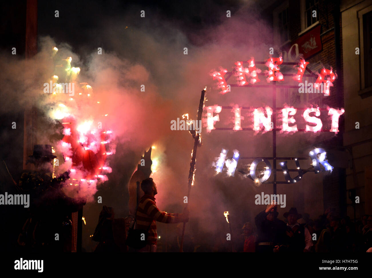 Lewes, East Sussex, UK. 5th November 2016. Lewes holds its infamous bonfire night celebrations. Credit:  Peter Cripps/Alamy - Stock Image
