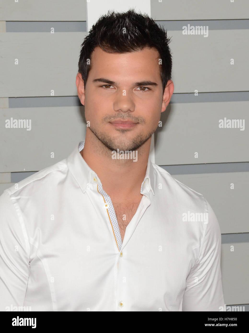Arcadia California Usa 5th Nov 2016 Taylor Lautner Attends The