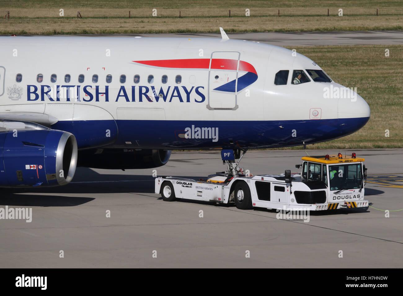 british airways pushback push back stock photo 125165205 alamy
