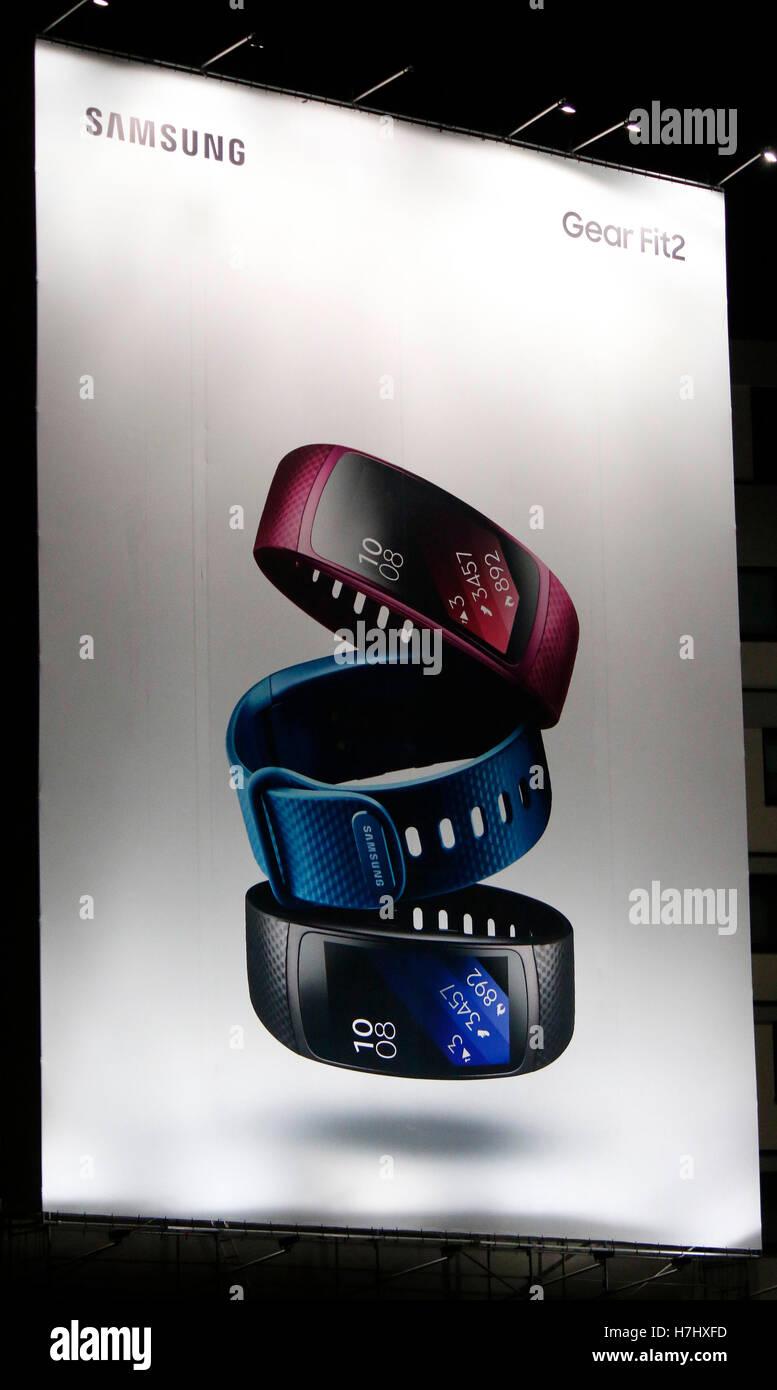 Werbung fuer das 'Samsung Gear Fit2', Berlin. - Stock Image