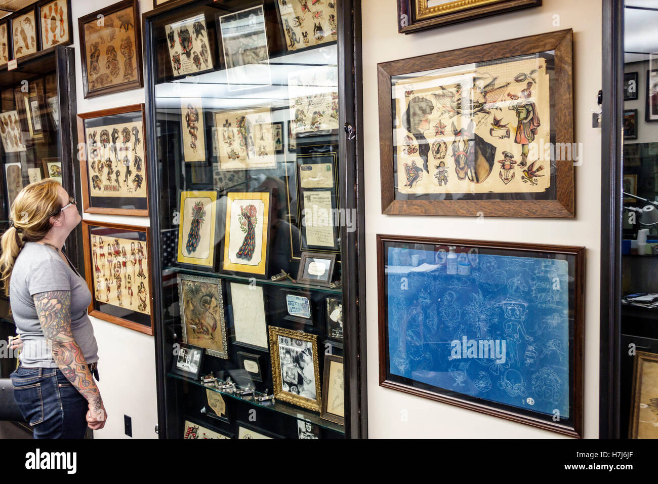 Manhattan New York City NYC NY Chinatown Daredevil Tattoo Shop Museum of Tattoo History artifacts antique tattoo - Stock Image