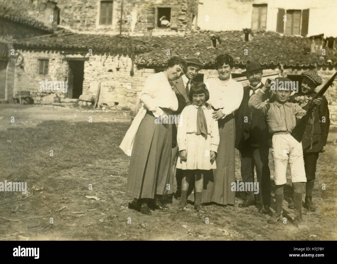 Family group in the Marche countryside, Italy - Stock Image