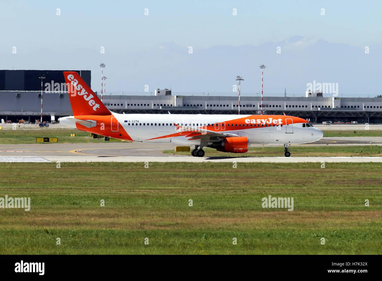 EasyJet Airbus A320 at Milan - Malpensa (MXP / LIMC) Italy - Stock Image
