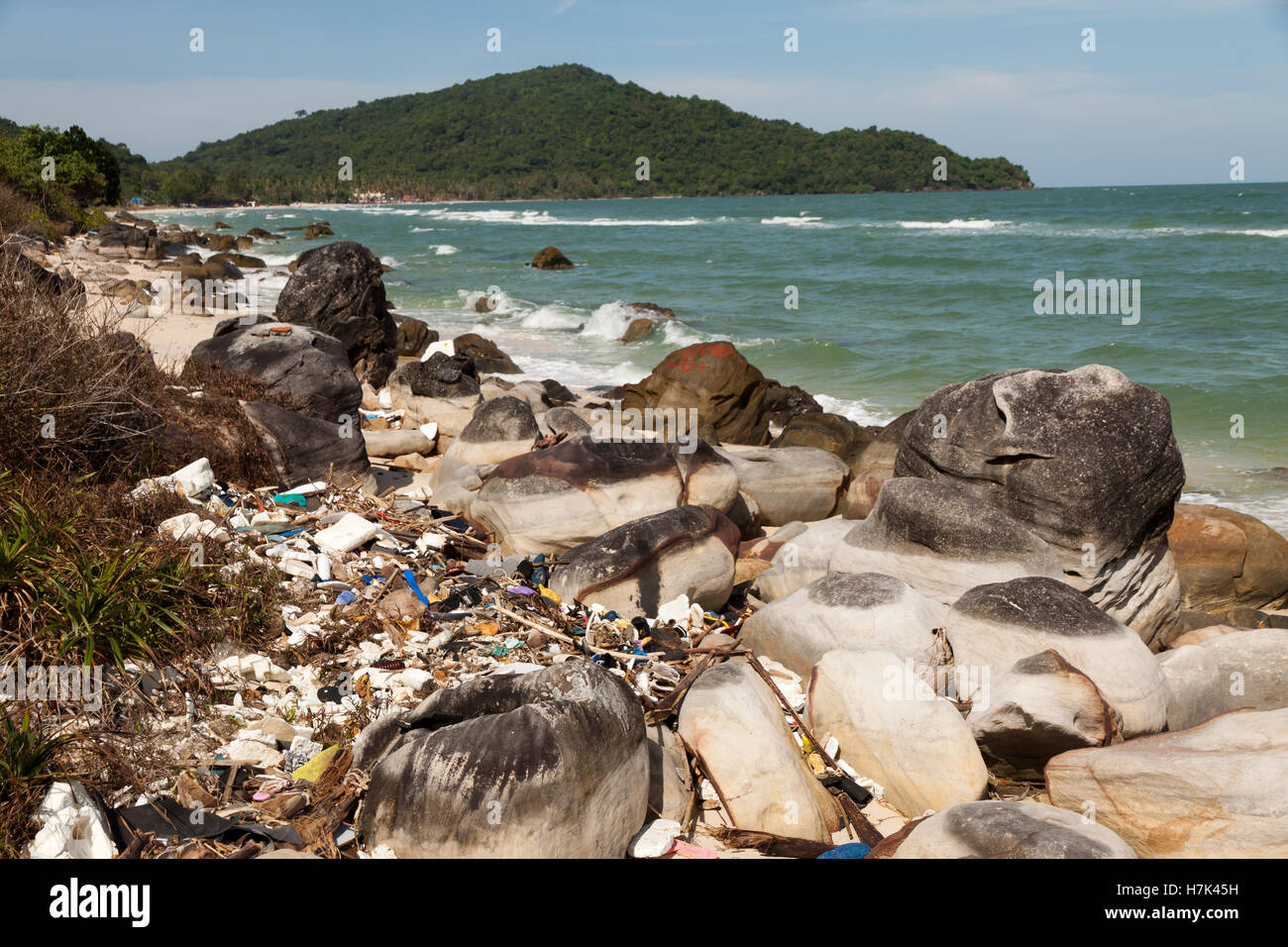 Pollution: garbages, plastic, and wastes on the beac - Stock Image