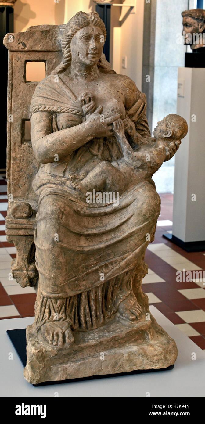 Mutter Horus