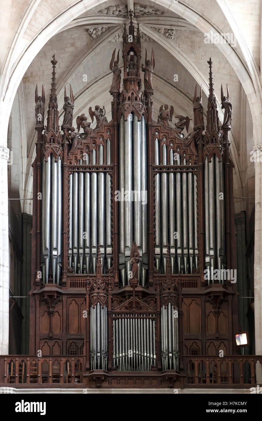 Organ, produced 1852-55, Lucon Cathedral, La Cathedrale Notre-Dame de l'Assomption, Luçon, Vendée, - Stock Image