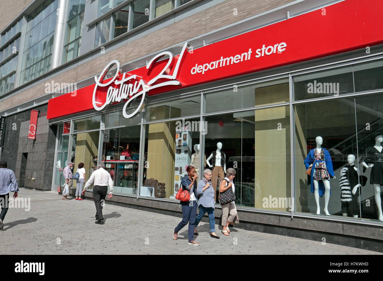 89ce228e806 Century 21 Store Manhattan Stock Photos   Century 21 Store Manhattan ...
