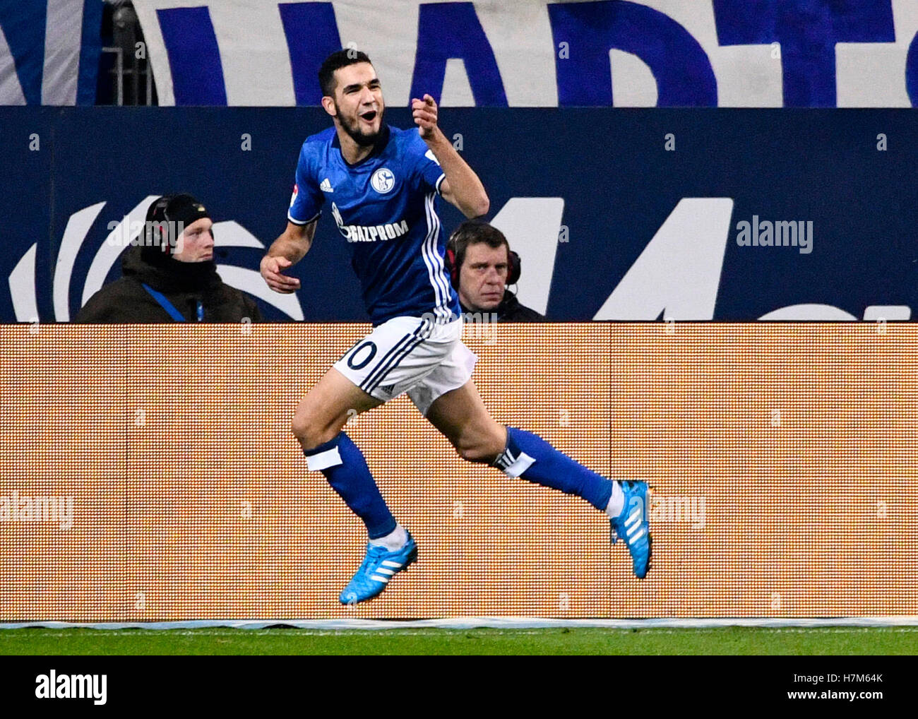 Nabil Bentaleb High Resolution Stock Photography and Images - Alamy