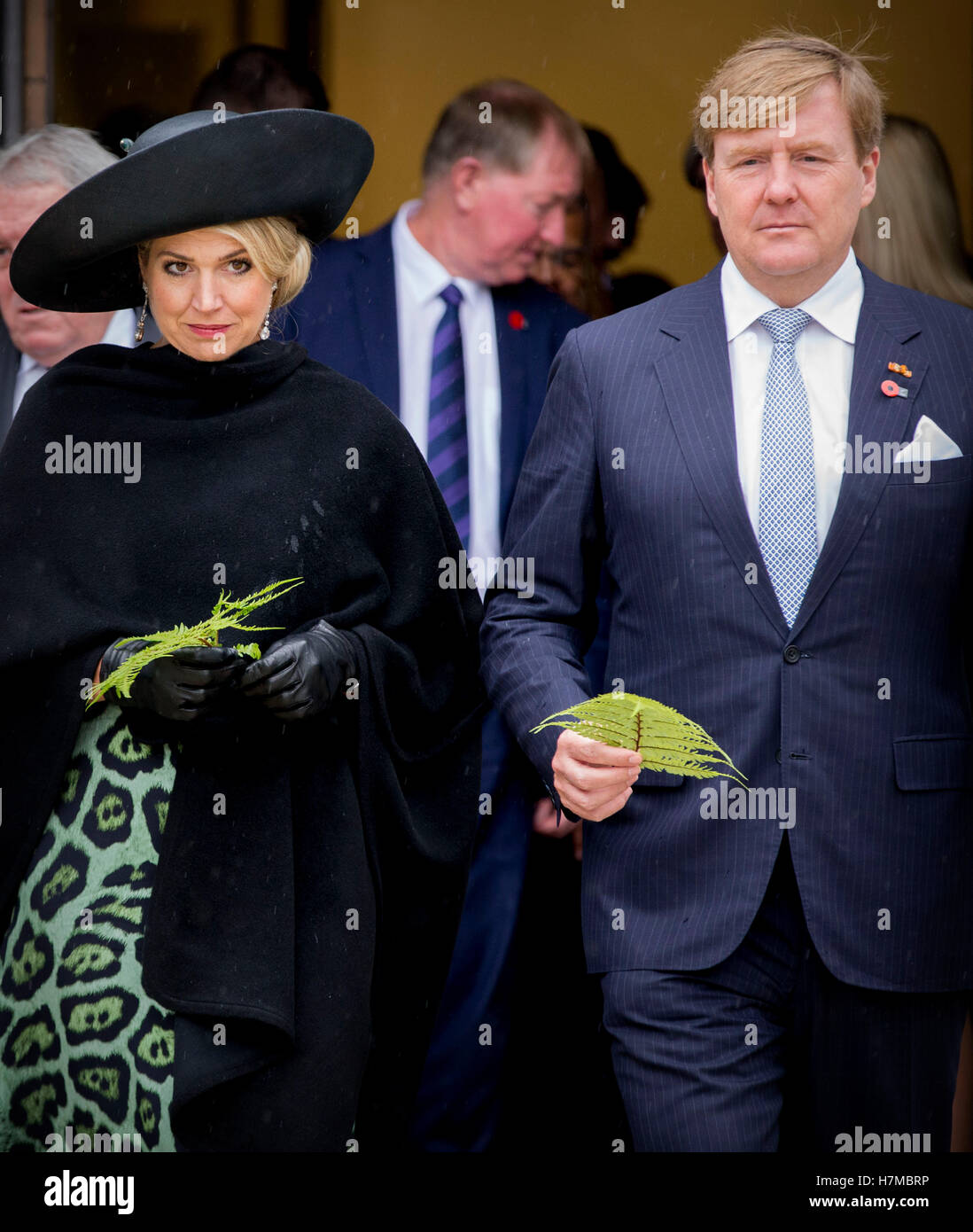 Wellington, New Zealand. 7th Nov, 2016. King Willem-Alexander and Queen Maxima of The Netherlands during the Powhiri - Stock Image