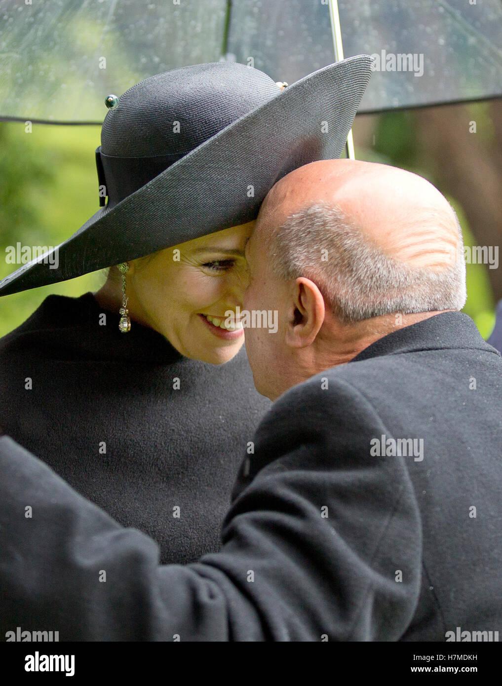 Wellington, New Zealand. 7th Nov, 2016. Queen Maxima of The Netherlands during the Powhiri met Wero ceremonial challenge - Stock Image