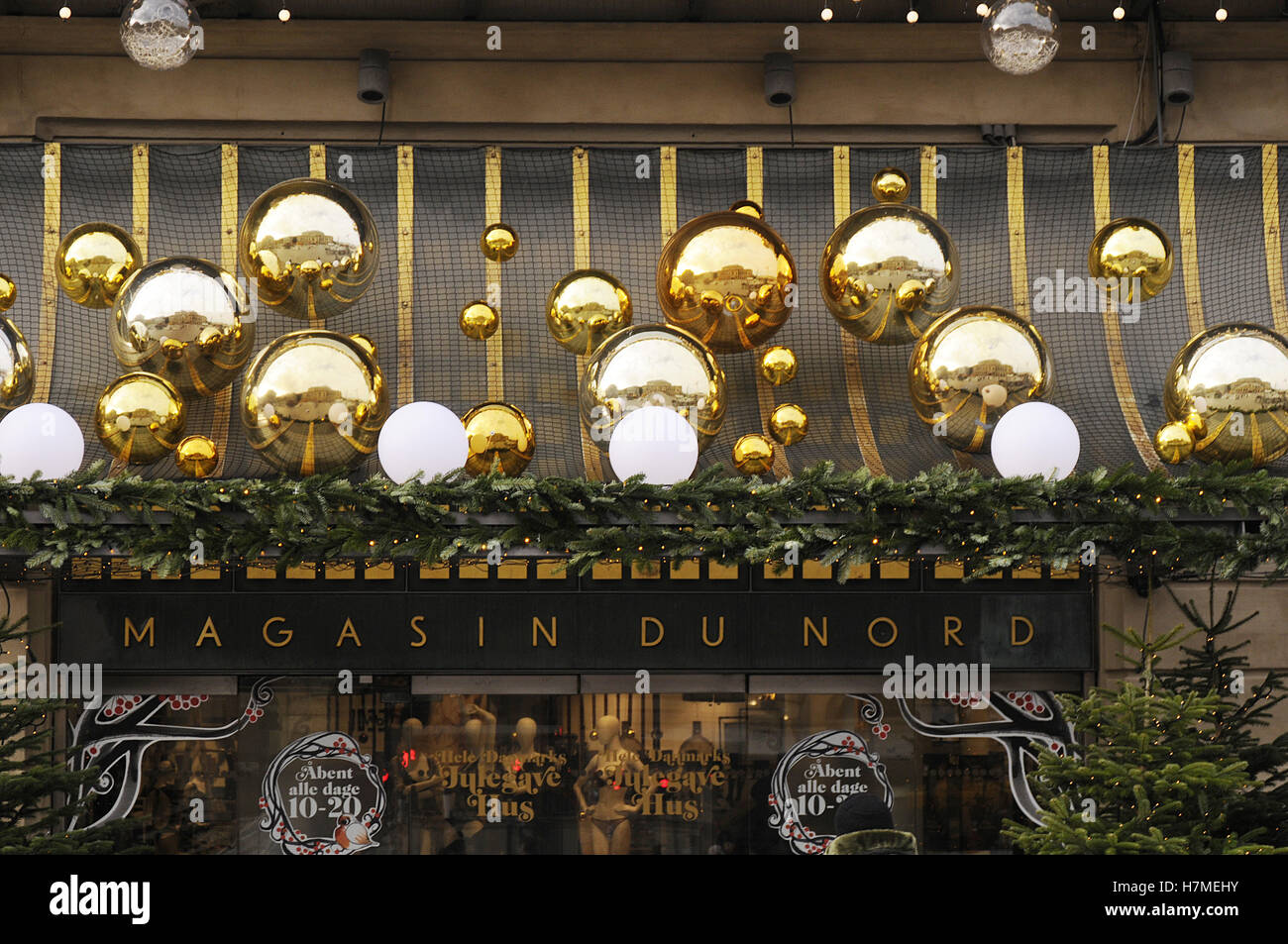 Copenhagen, Denmark. 07th Nov, 2016.  Early christms decoration sale in Magasin du Nord Photo. Credit:  Francis - Stock Image