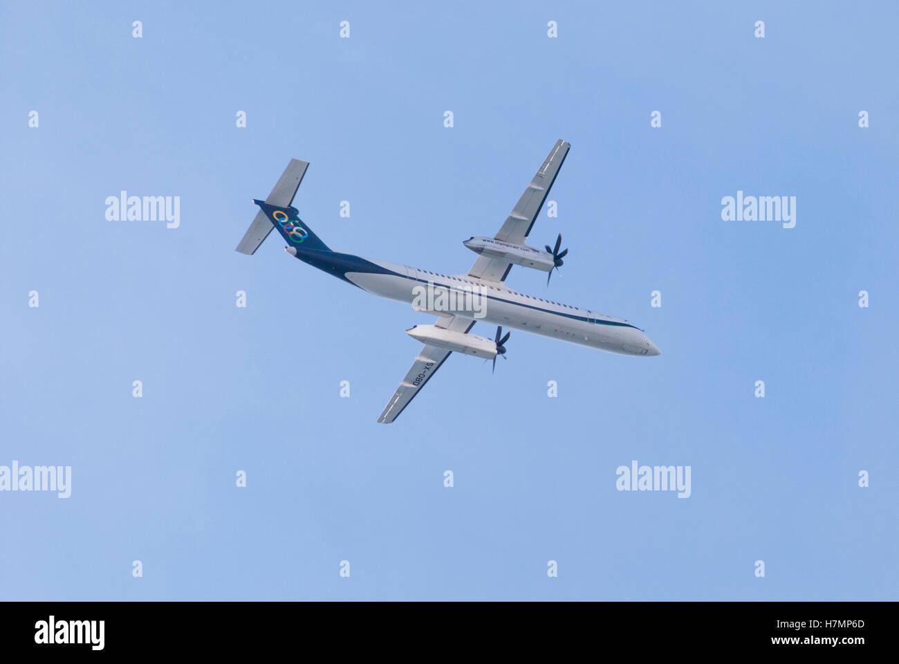 Piraeus, Greece. 06th Nov, 2016. An Olympic Air Dash8 Q400, flies over Flisvos bay during the Air Show of Hellenic - Stock Image