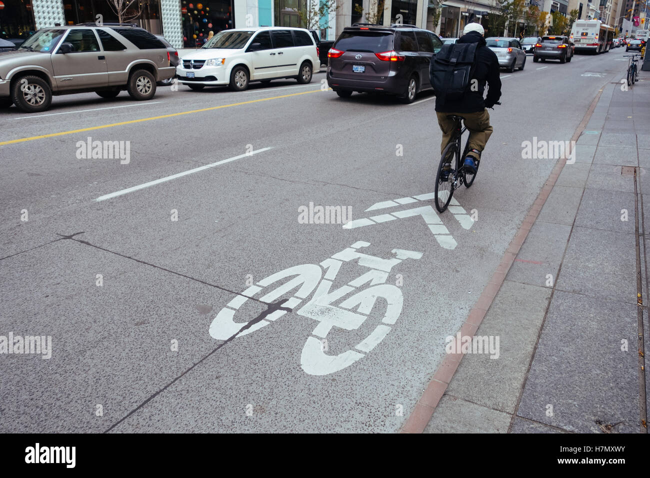 toronto bike lane bloor street - Stock Image