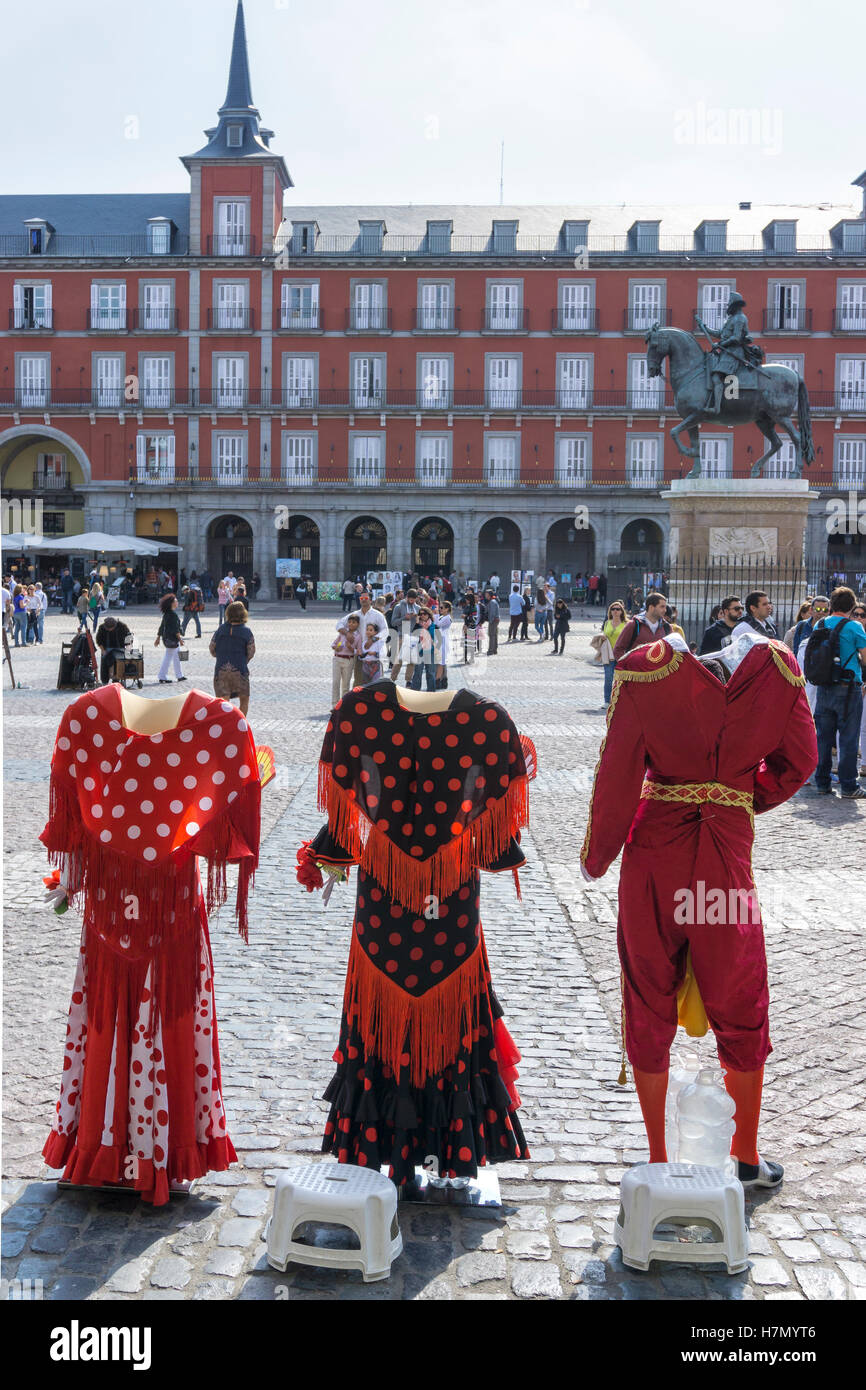 Photographers props in the Plaza Mayor in the centre of Madrid, Spain - Stock Image