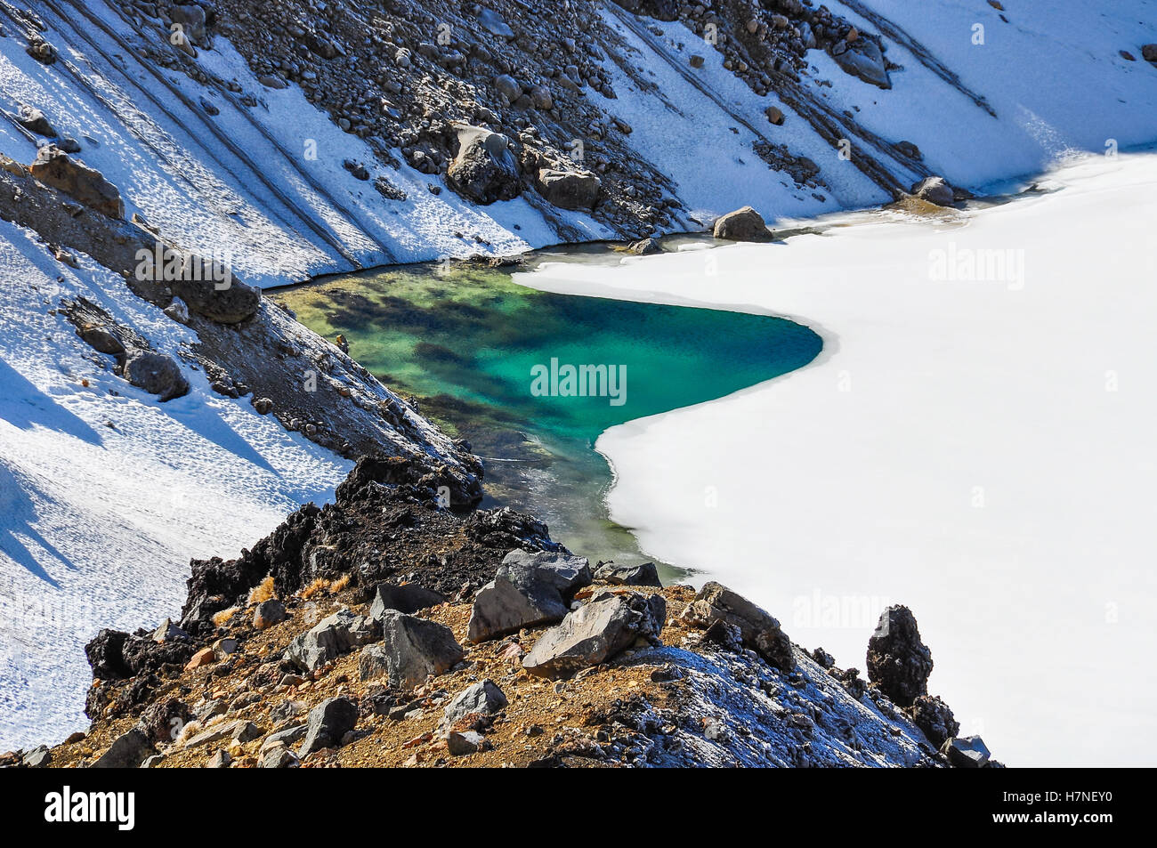 Emerald Lakes in the winter Tongariro Alpine Crossing, New Zealand - Stock Image