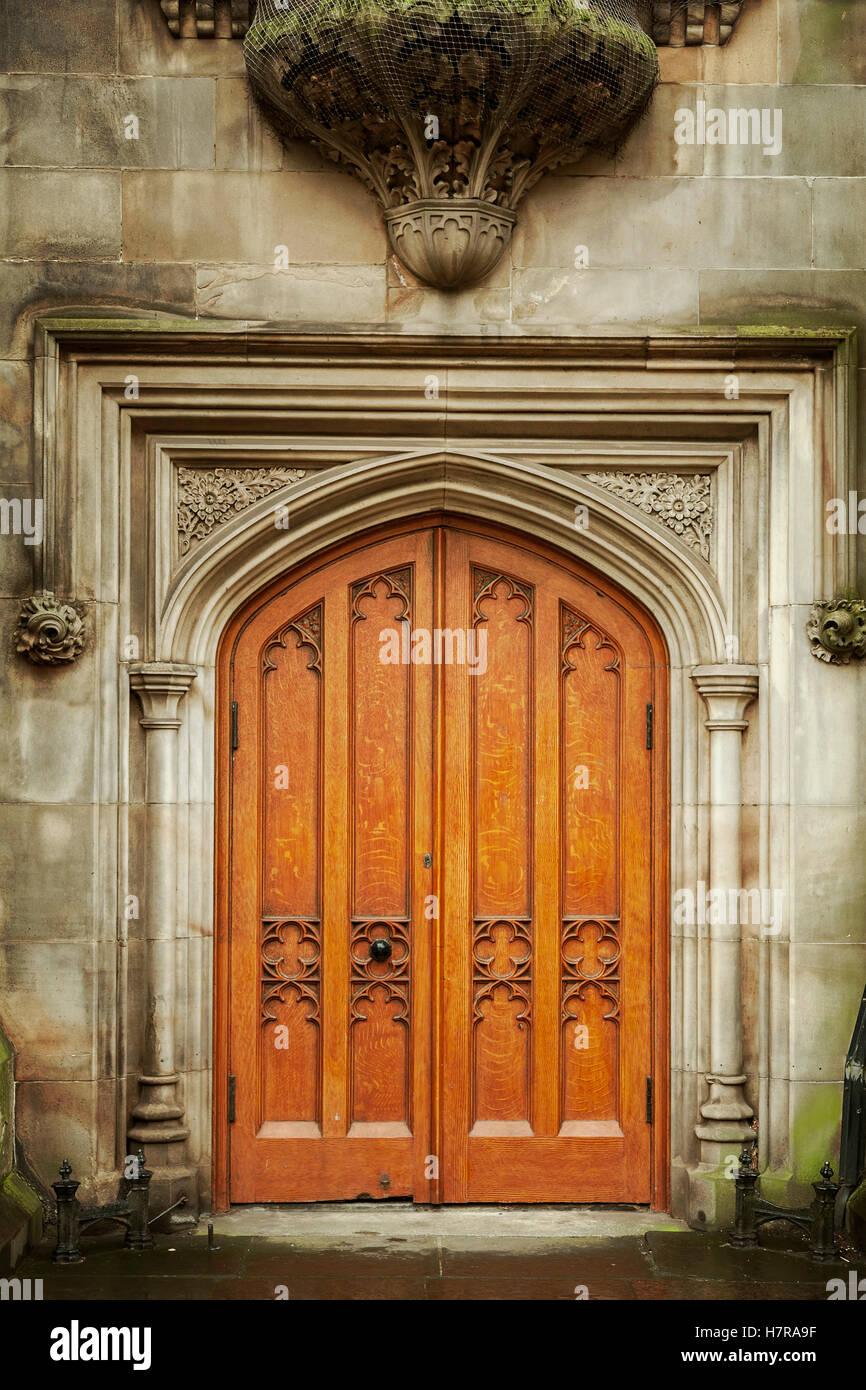 Image of antique door in grand building. Edinburgh, Scotland. - Stock Image