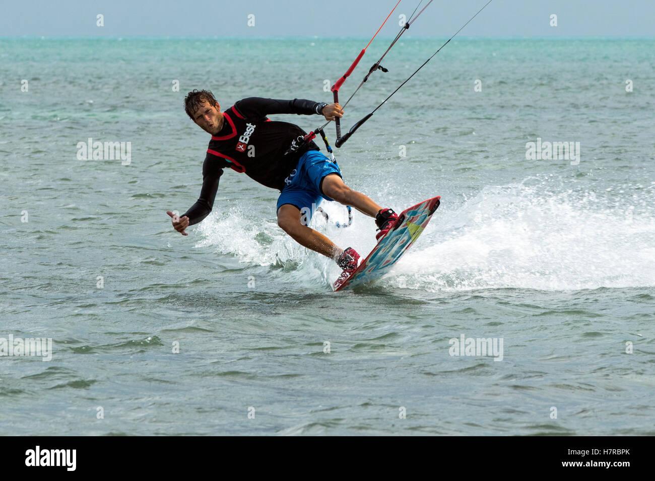 Professional Kitesurfer Ben Jopling at Veterans Memorial Park - Little Duck Key, Florida, USA - Stock Image