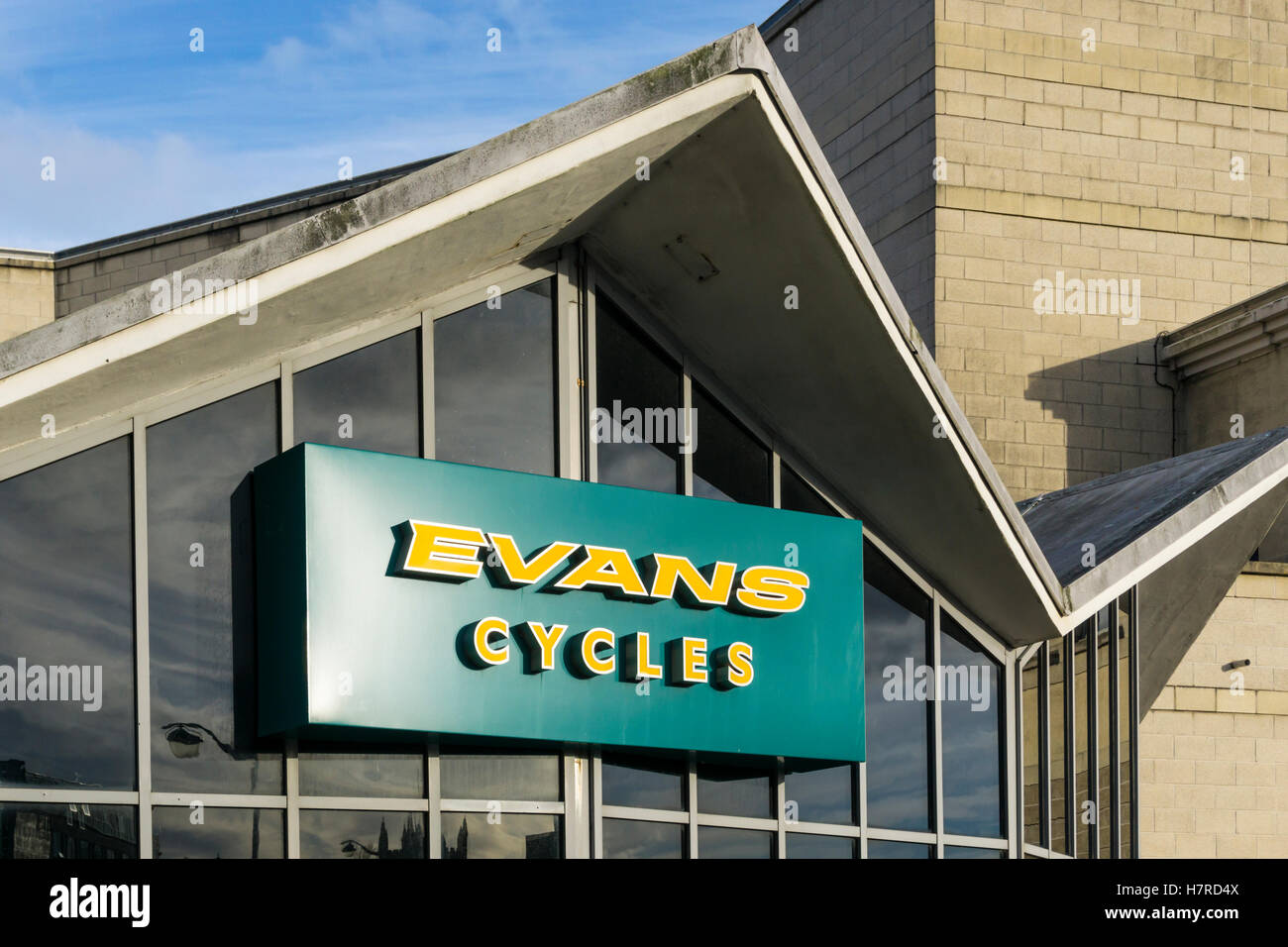 The premises of Evans Cycles in Charles Cross, Plymouth. - Stock Image