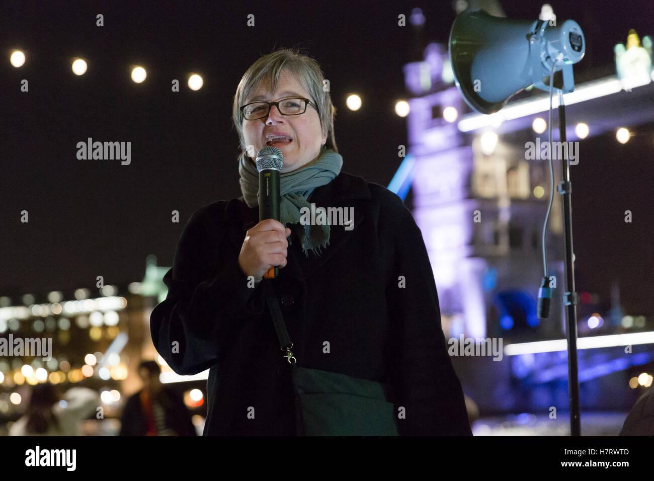 London, UK. 7th Nov, 2016. Caroline Russell, London Assembly Member for Islington and Green Party Transport spokesperson - Stock Image