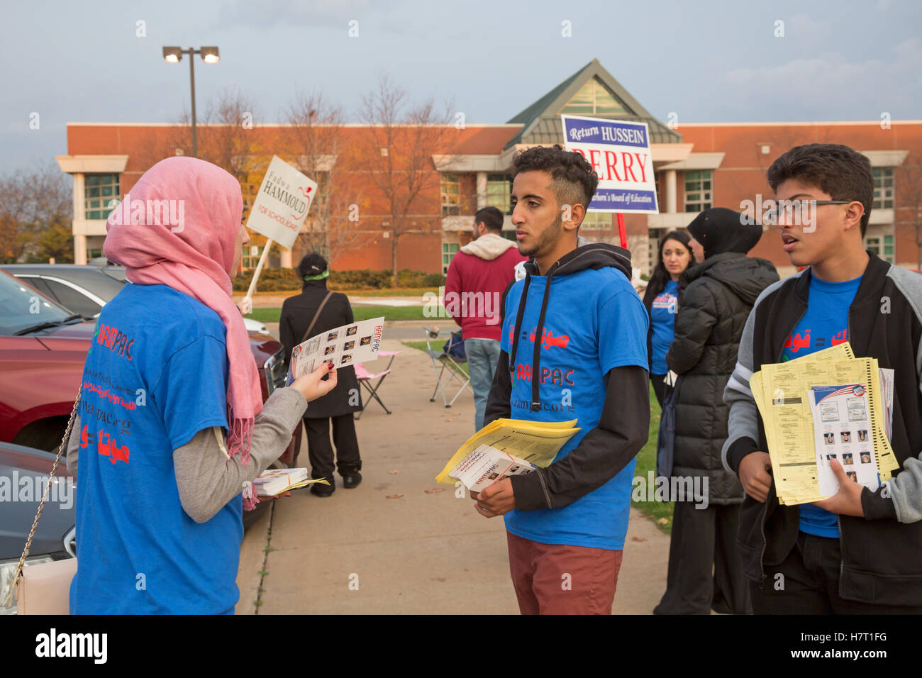 Dearborn, United States. 08th Nov, 2016. Dearborn, Michigan - 8 November 2016 - Young members of the American Arab - Stock Image