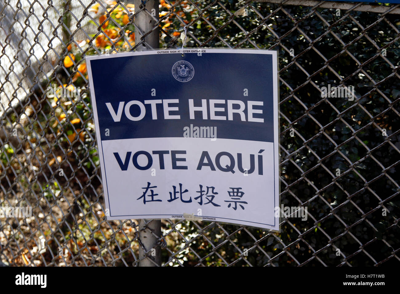 New York, United States. 08th Nov, 2016. Signs for voters in the Chelsea neighborhood of Manhattan in New York City - Stock Image