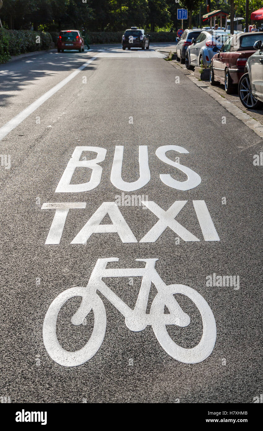 Brussels, Belgium, road with taxi lane, bus lane and bicycle lane, - Stock Image