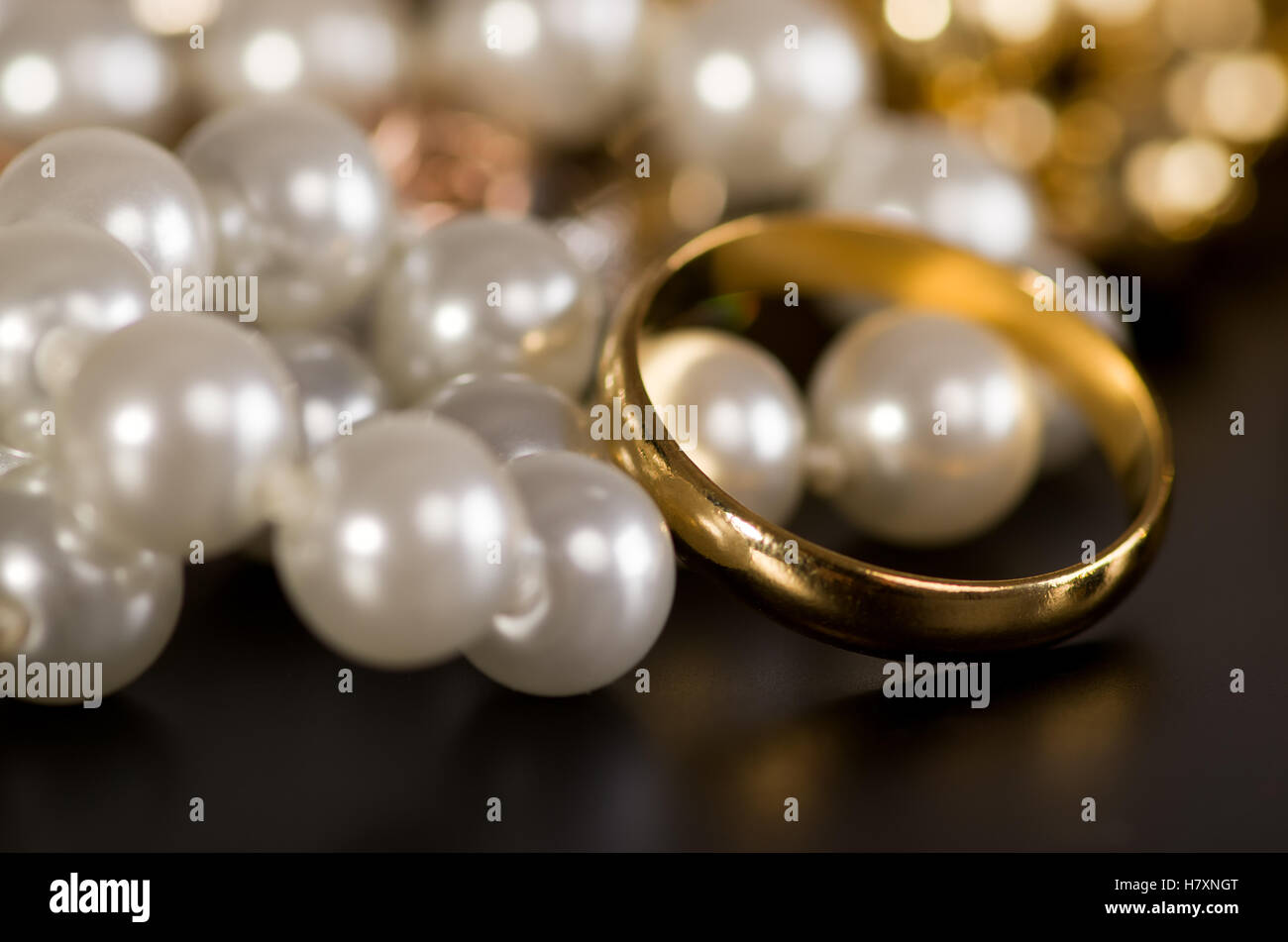 73b6578fc1fc9 Gold Jewelry Pearls Stock Photos & Gold Jewelry Pearls Stock Images ...