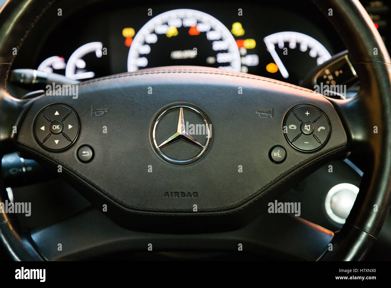 used tronic tyrone line s benz saloon cdi cars l media county plus class amg bluetec mercedes