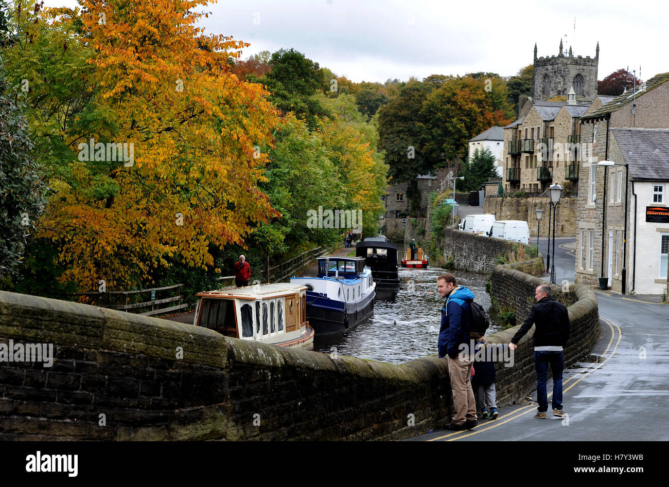 Leeds-Liverpool Canal, Skipton, District of Craven, North Yorkshire. England UK. Picture by Paul Heyes, Monday October - Stock Image