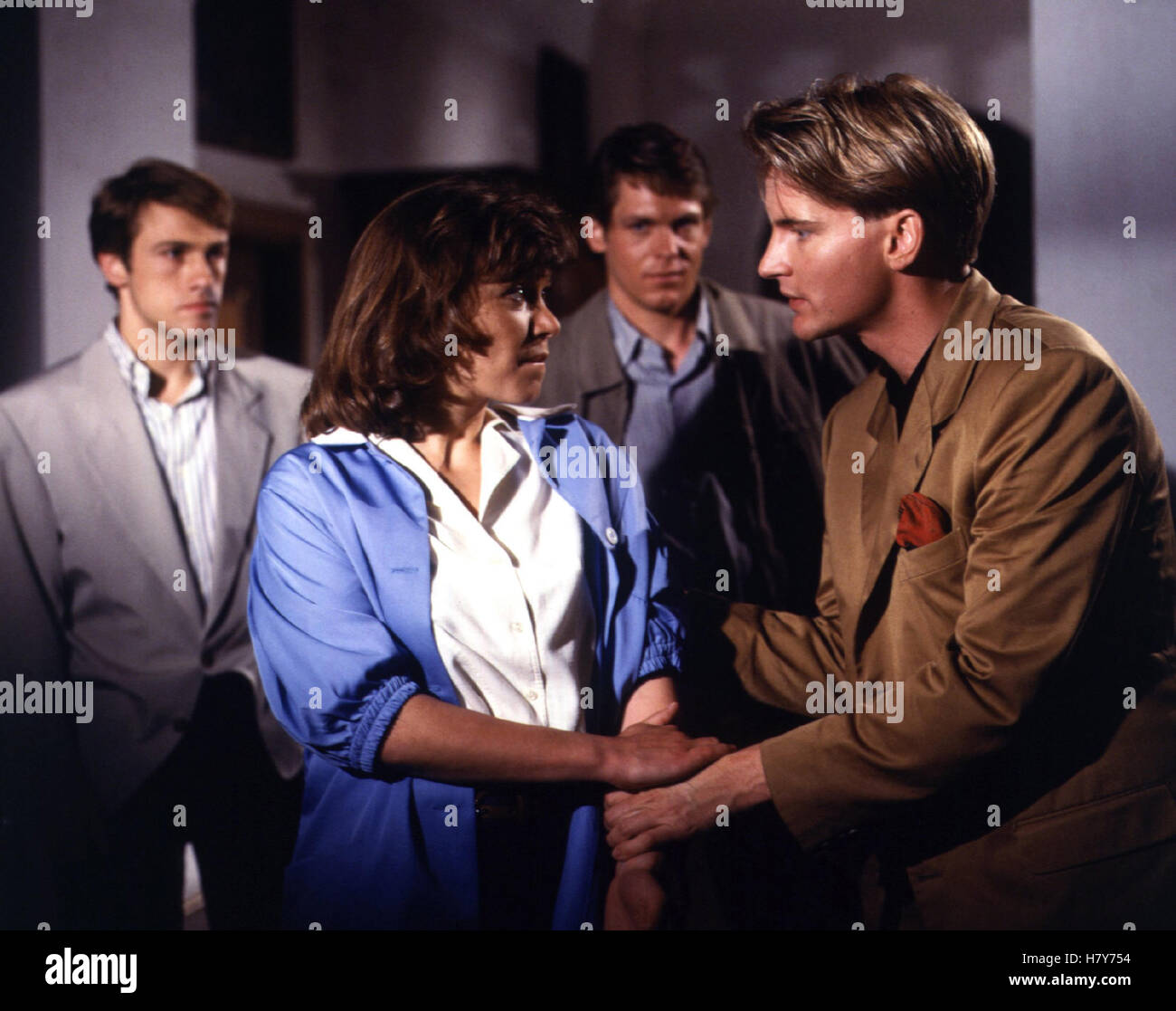 DERRICK: Mord inklusive, D 1988, Regie: Helmuth Ashley, CHRISTOPH WALTZ, BEATE FINCKH, TOBIAS HOESL, PHILIPP MOOG - Stock Image