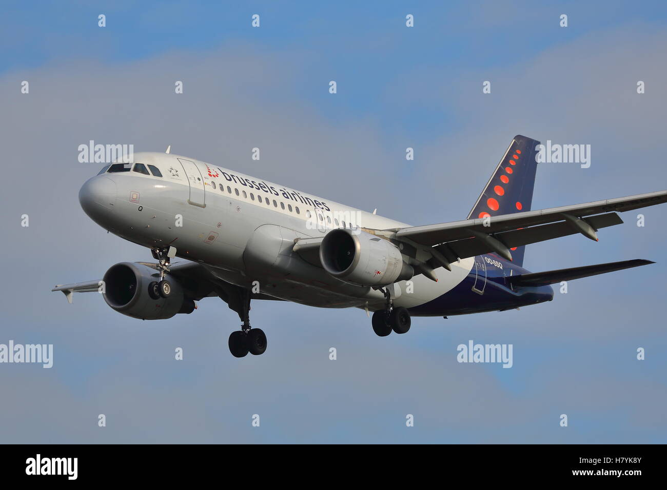 Brussels Airlines Airbus A319-112 OO-SSQ landing at London Heathrow Airport, UK - Stock Image