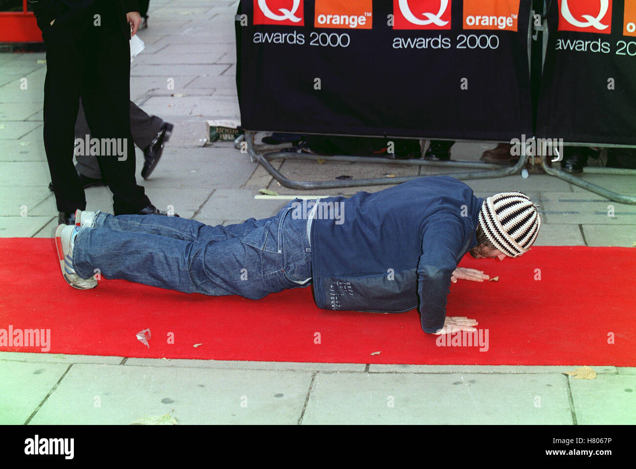 BADLY DRAWN BOY THE Q AWARDS 2000 PARK LANE HOTEL PARK LANE LONDON ENGLAND 03 November 2000 - Stock Image