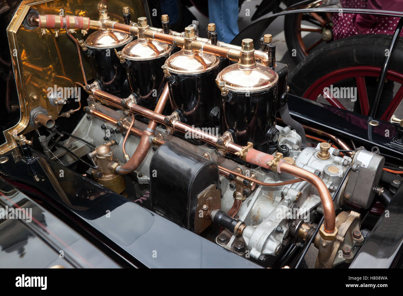 Close-up of the 20HP, 4 cylinder engine on a 1904 De Dion Bouton Tourer, in the Concours d'Elegance, in Regents - Stock Image
